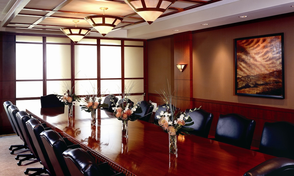 Eaglewood resort and spa in chicago hotel rates for Spa hotel chicago