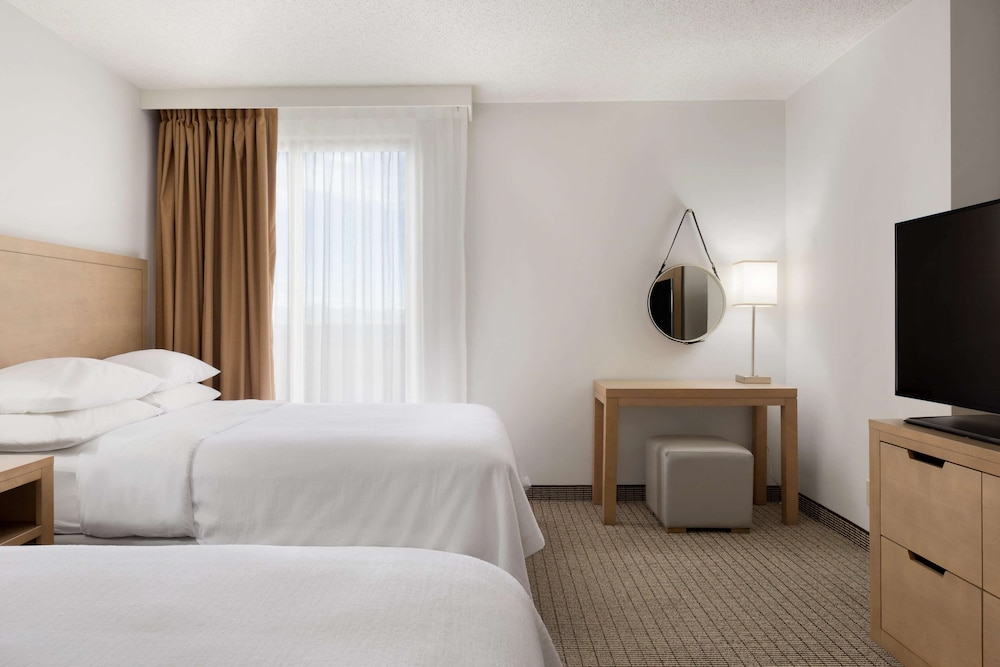 Room, Embassy Suites by Hilton Denver International Airport