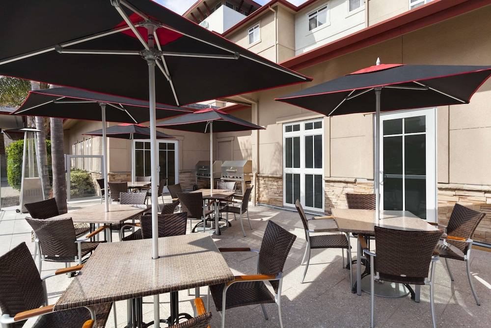 BBQ/Picnic Area, Homewood Suites by Hilton San Francisco Airport North