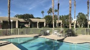 15 outdoor pools