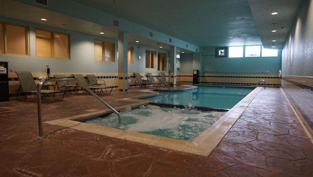Pool, Candlewood Suites West Springfield, an IHG Hotel