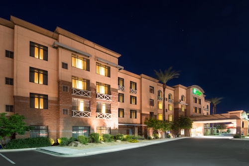Holiday Inn Hotel Suites Goodyear