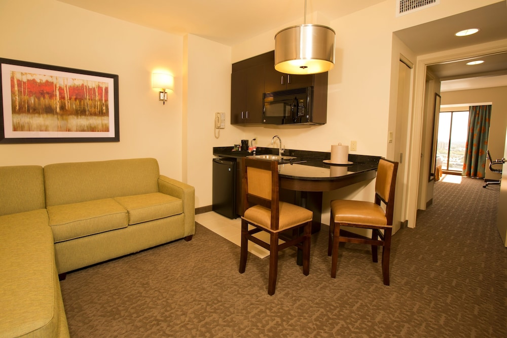 Living Area, Ramada Plaza Resort & Suites by Wyndham Orlando Intl Drive