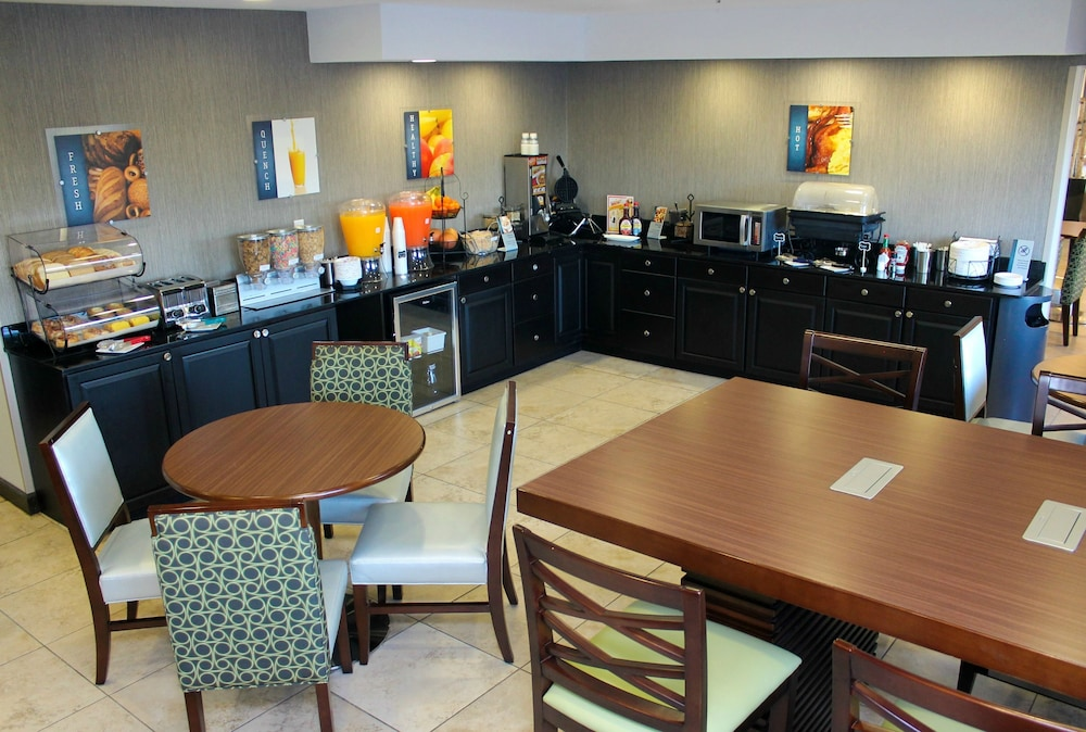 Breakfast Area, Best Western Toledo South Maumee