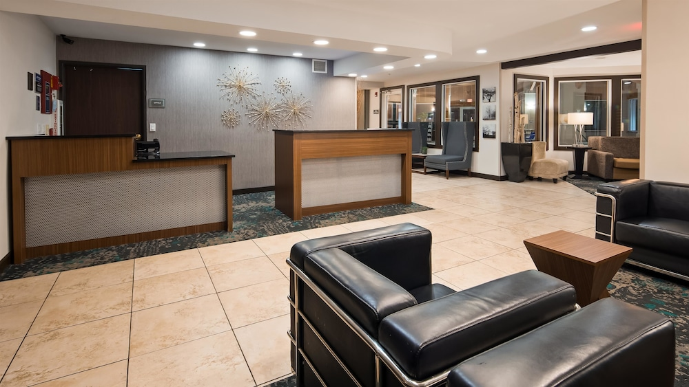 Lobby, Best Western Toledo South Maumee