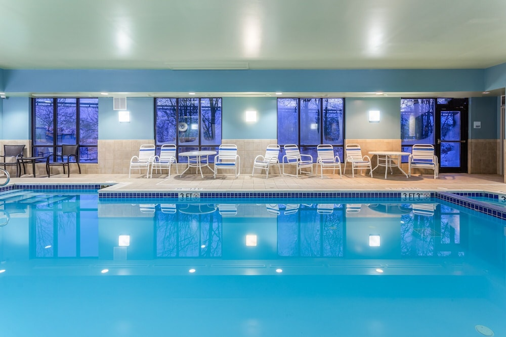Pool, Holiday Inn Express & Suites White Haven - Poconos, an IHG Hotel