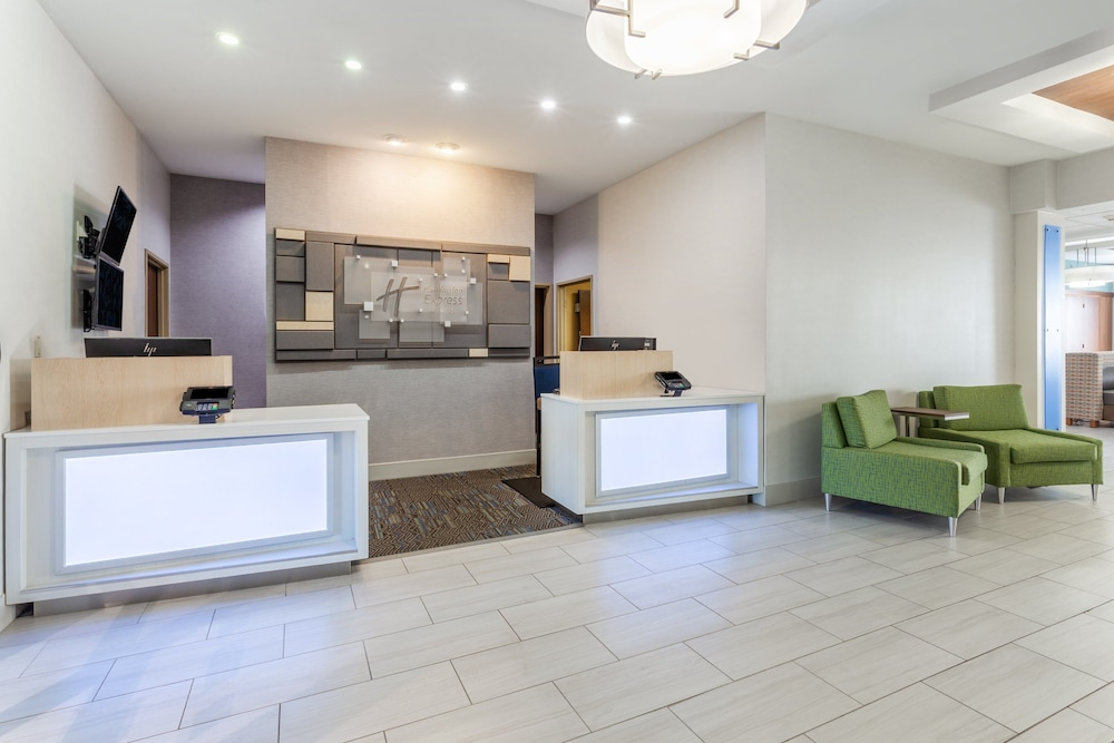 Lobby, Holiday Inn Express & Suites White Haven - Poconos, an IHG Hotel