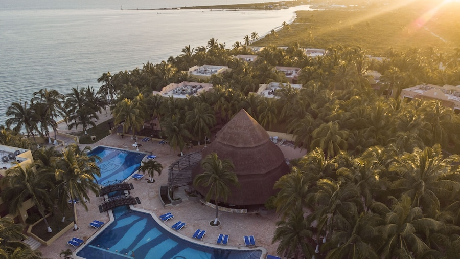 Reef Yucatan All Inclusive Hotel and Convention Center