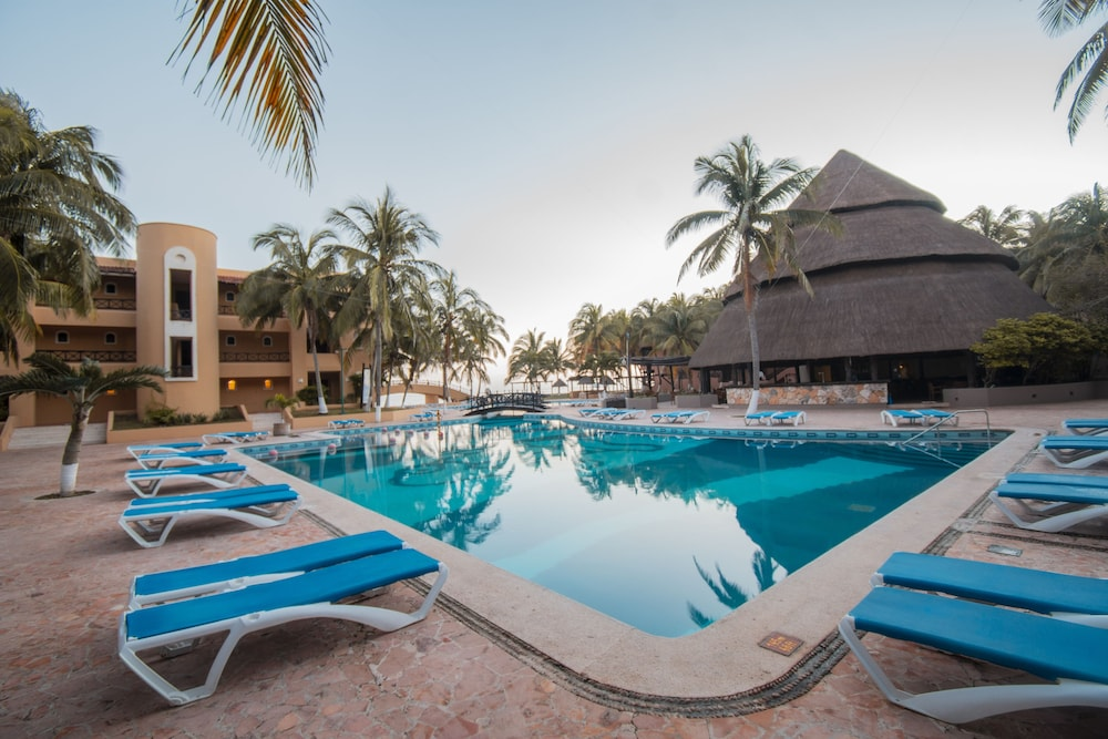 Pool, Reef Yucatan All Inclusive Hotel and Convention Center