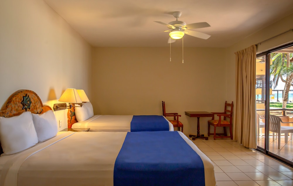 Room, Reef Yucatan All Inclusive Hotel and Convention Center