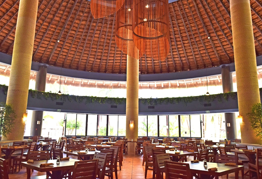 Restaurant, Reef Yucatan All Inclusive Hotel and Convention Center