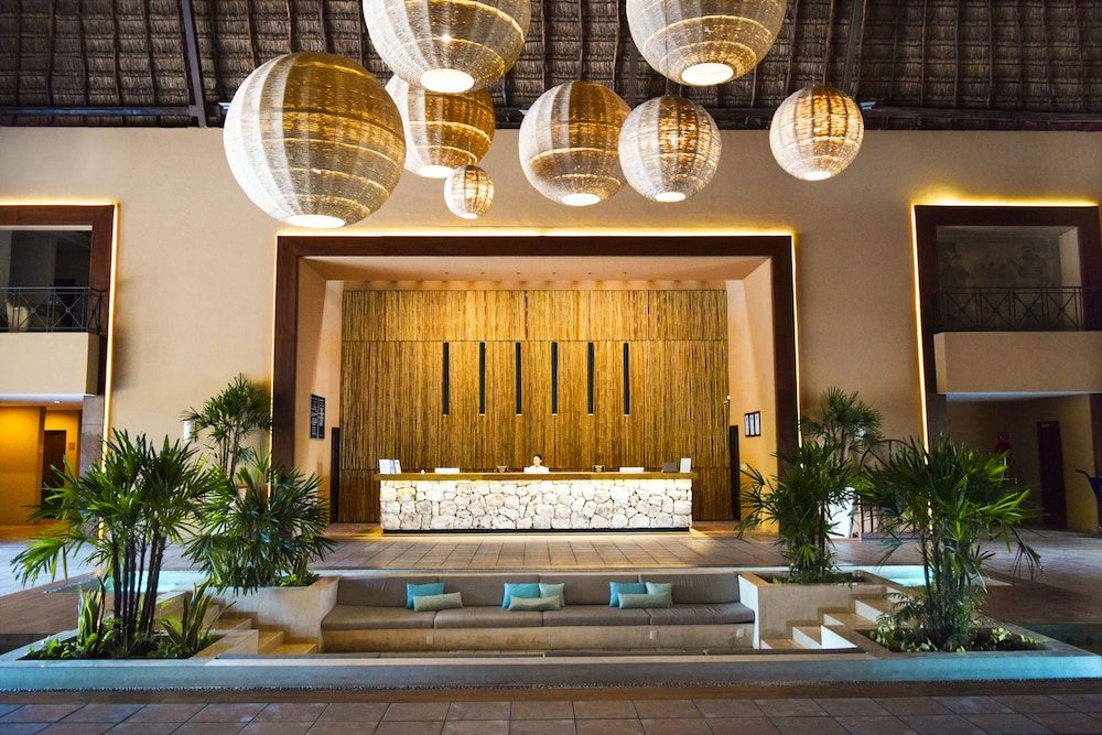 Reception, Reef Yucatan All Inclusive Hotel and Convention Center