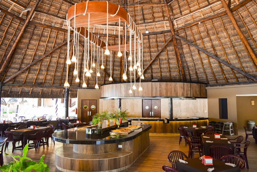 Snack Bar, Reef Yucatan All Inclusive Hotel and Convention Center