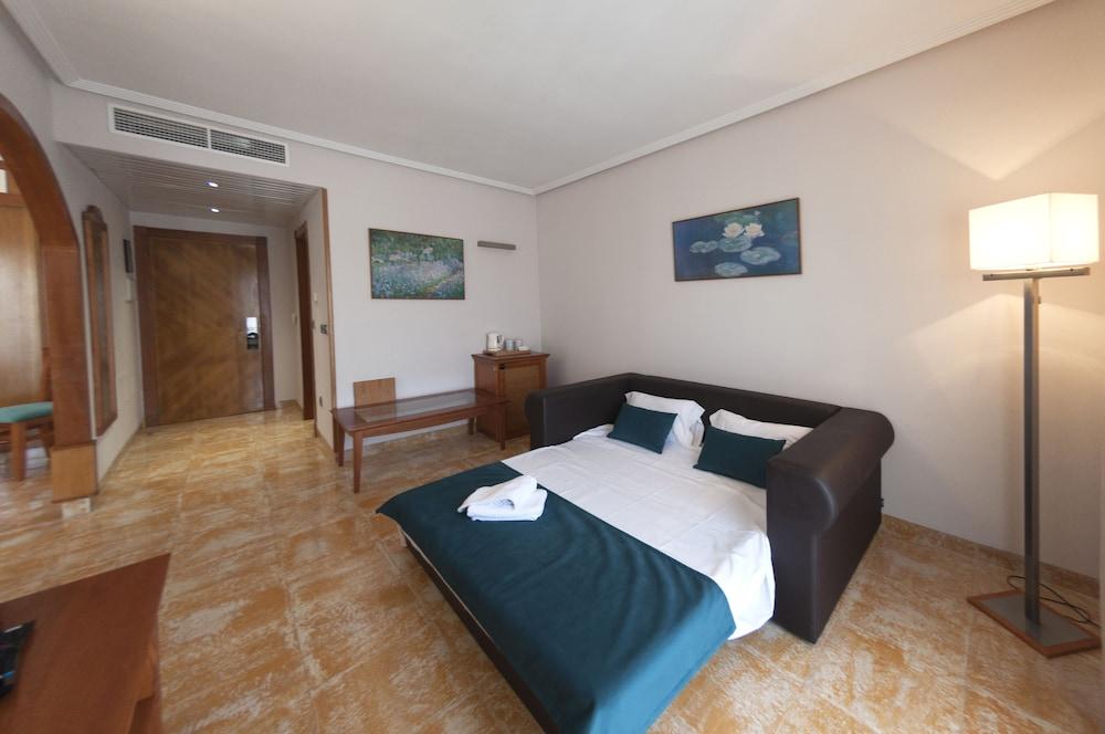 La Laguna Hotel Quesada