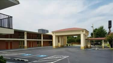 Columbus Inn & Suites