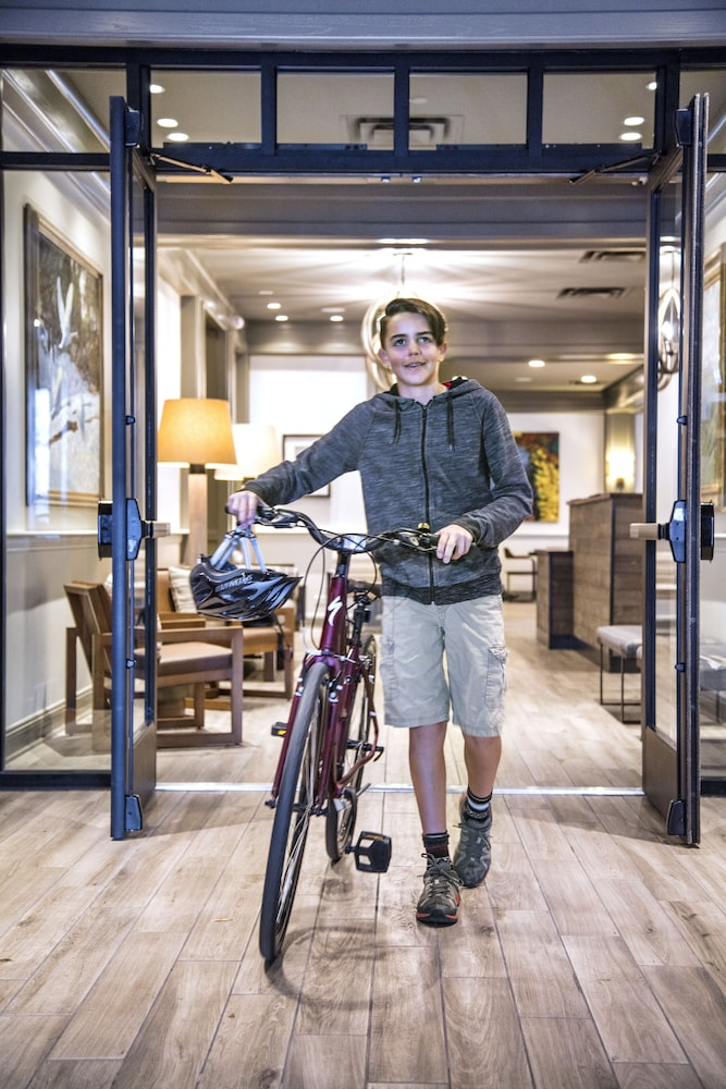 Bicycling, The Inn at Riverwalk, Ascend Hotel Collection