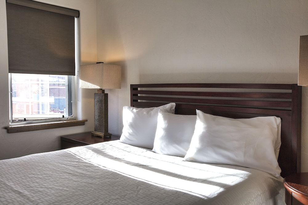 Room, The Inn at Riverwalk, Ascend Hotel Collection