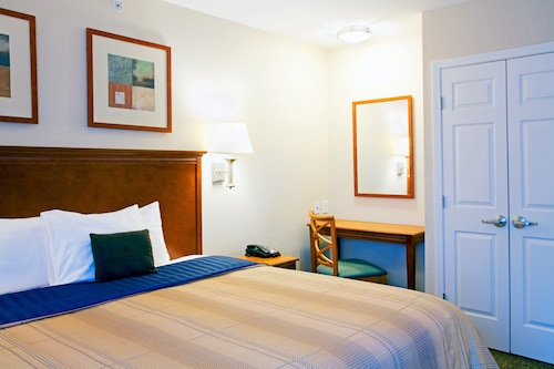 Candlewood Suites New Bern