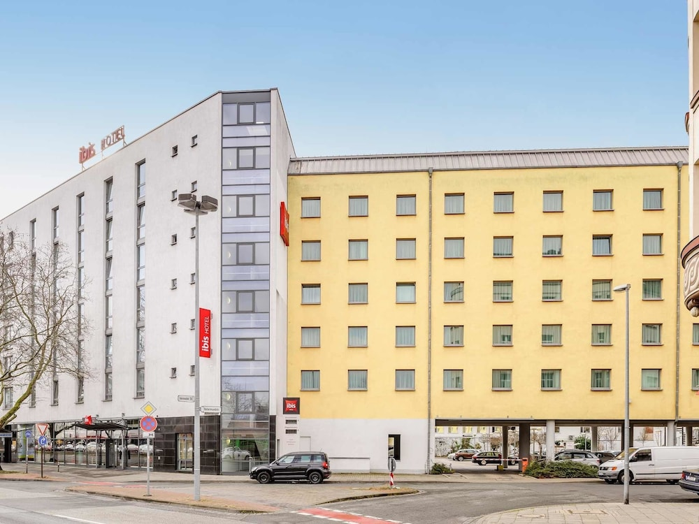 Book ibis hannover city hannover hotel deals for Hannover hotel
