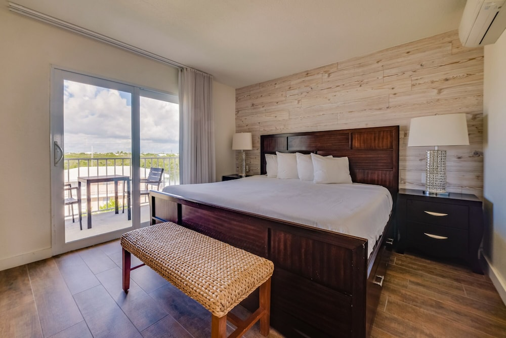 Room, Skipjack Resort & Marina