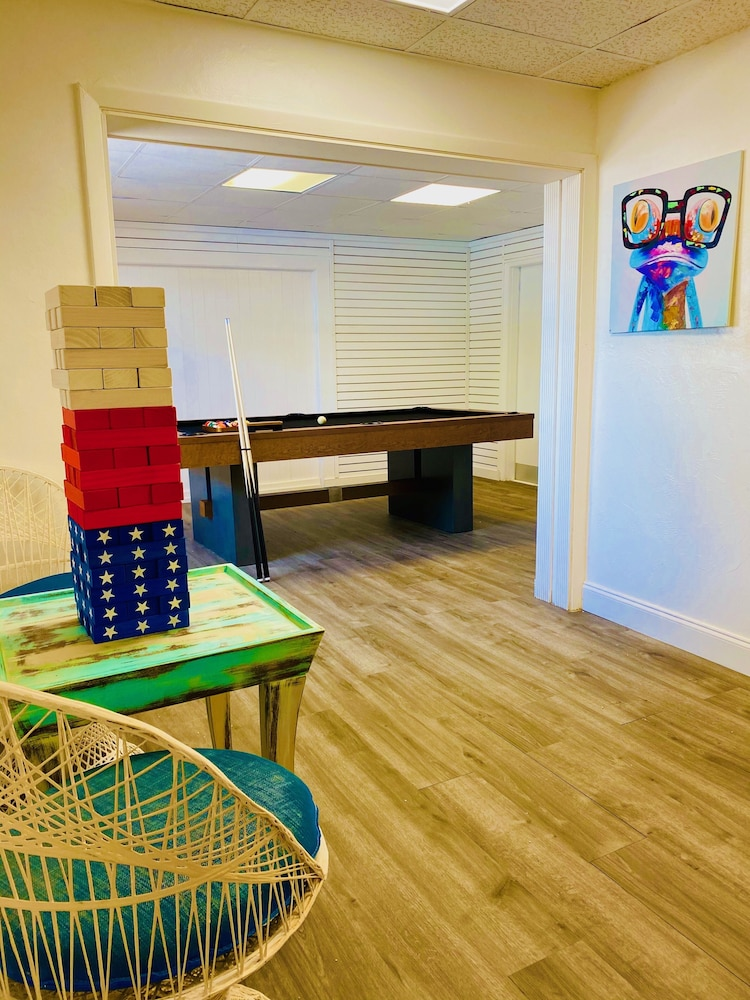 Game Room, Skipjack Resort & Marina