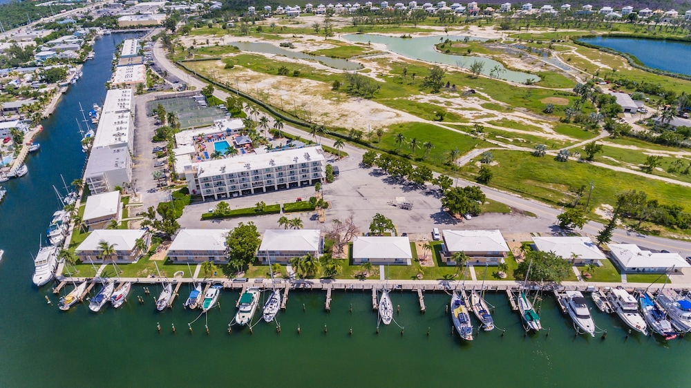 Boating, Skipjack Resort & Marina