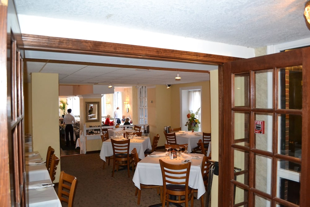 Breakfast Area, The Write Inn