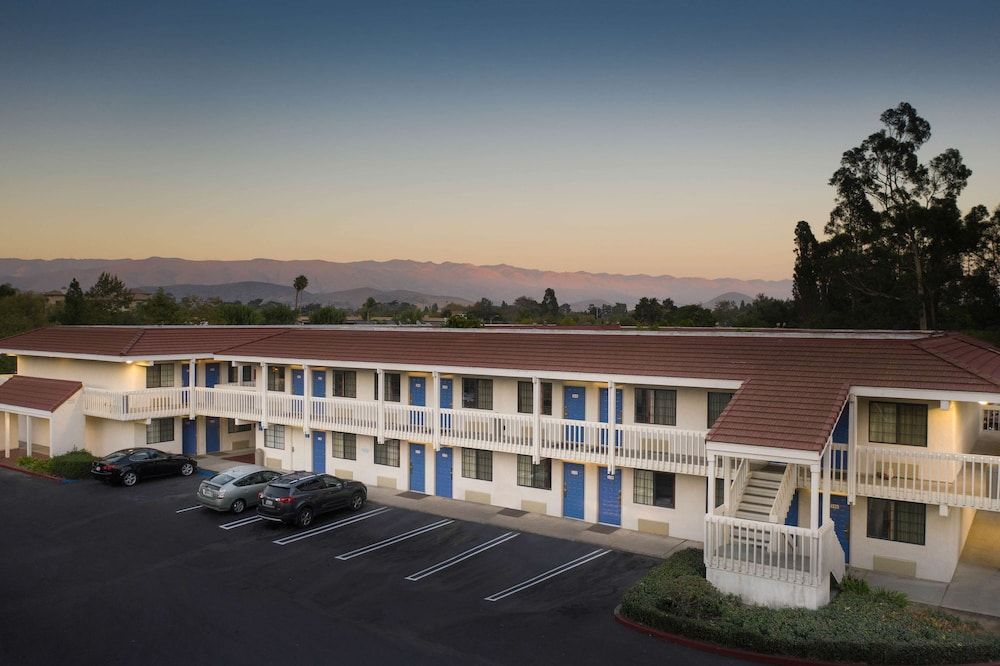Exterior, Motel 6 San Luis Obispo, CA - South