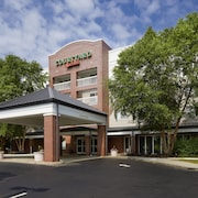 Courtyard by Marriott Edison Woodbridge