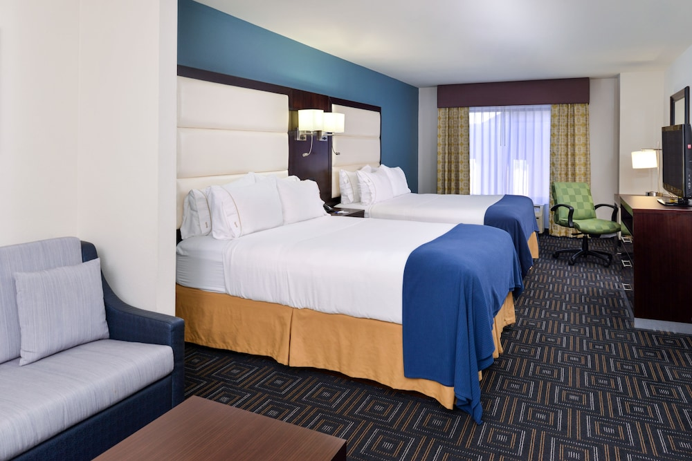 Room, Holiday Inn Express Hotel & Suites Bessemer