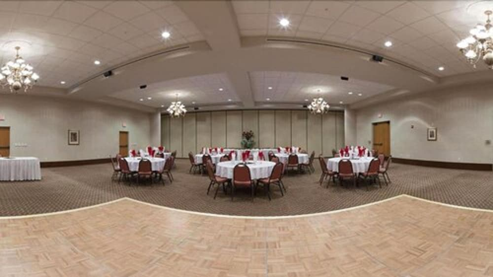Banquet Hall, Baymont by Wyndham Belen NM