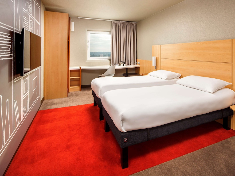 Featured Image, ibis London Wembley