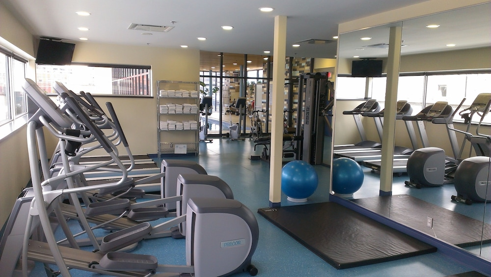 Gym, Le Square Phillips Hotel And Suites