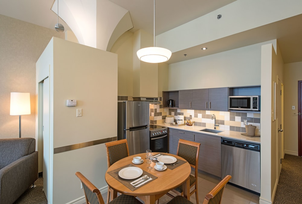 Private Kitchen, Le Square Phillips Hotel And Suites