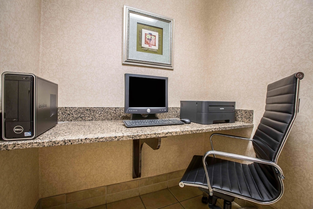 Business Center, Comfort Inn Franklin