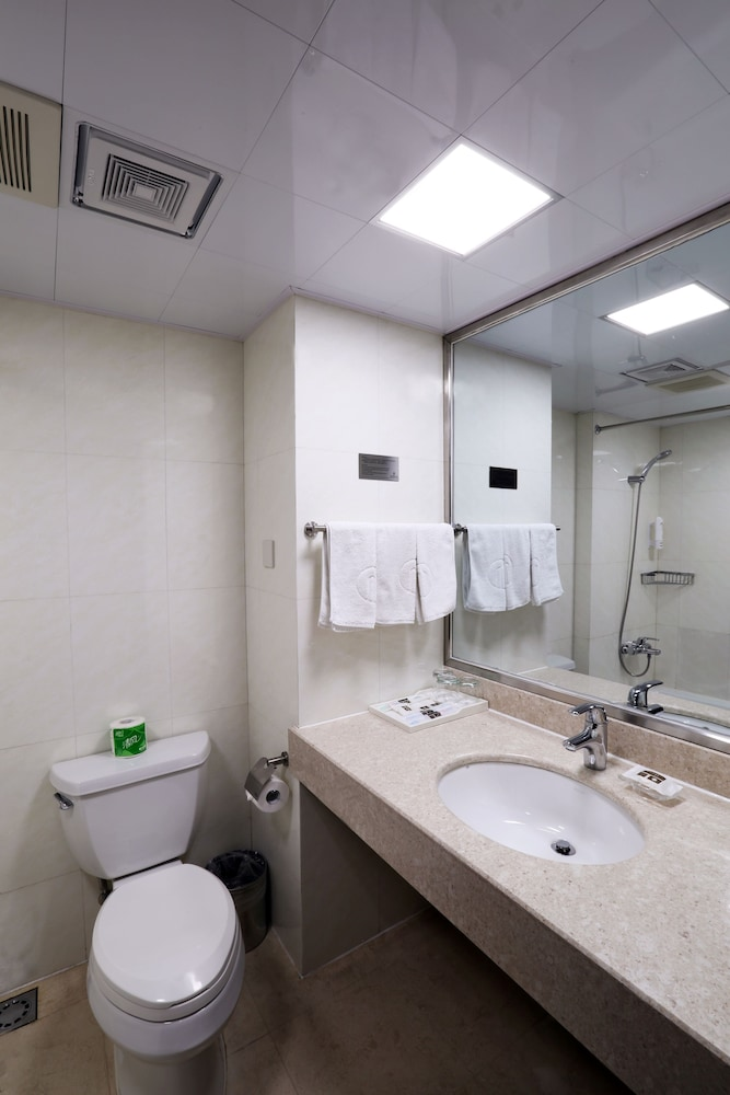 Bathroom, New Harbour Service Apartments