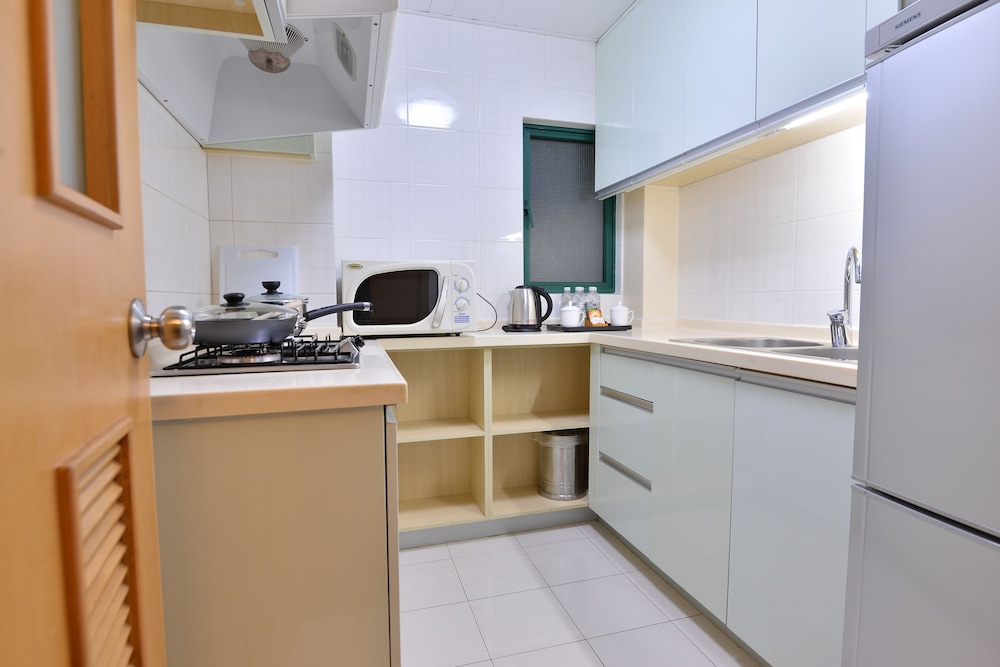 Private Kitchen, New Harbour Service Apartments