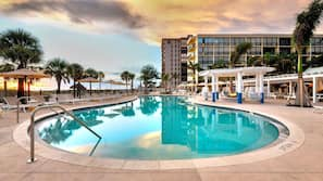 2 outdoor pools, pool cabanas (surcharge)