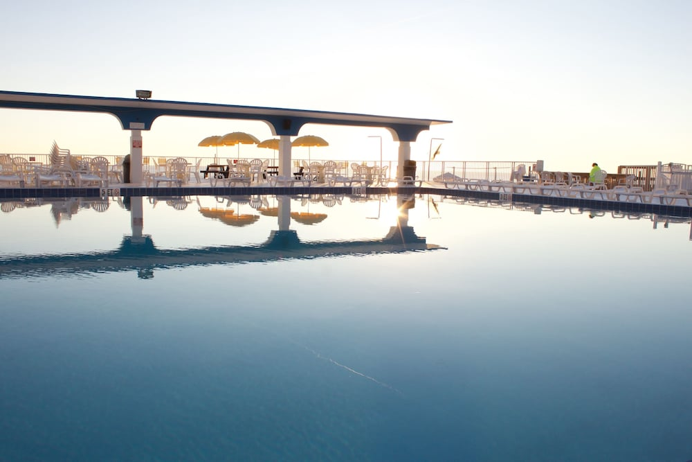 Outdoor Pool, The Suites at Americano Beach