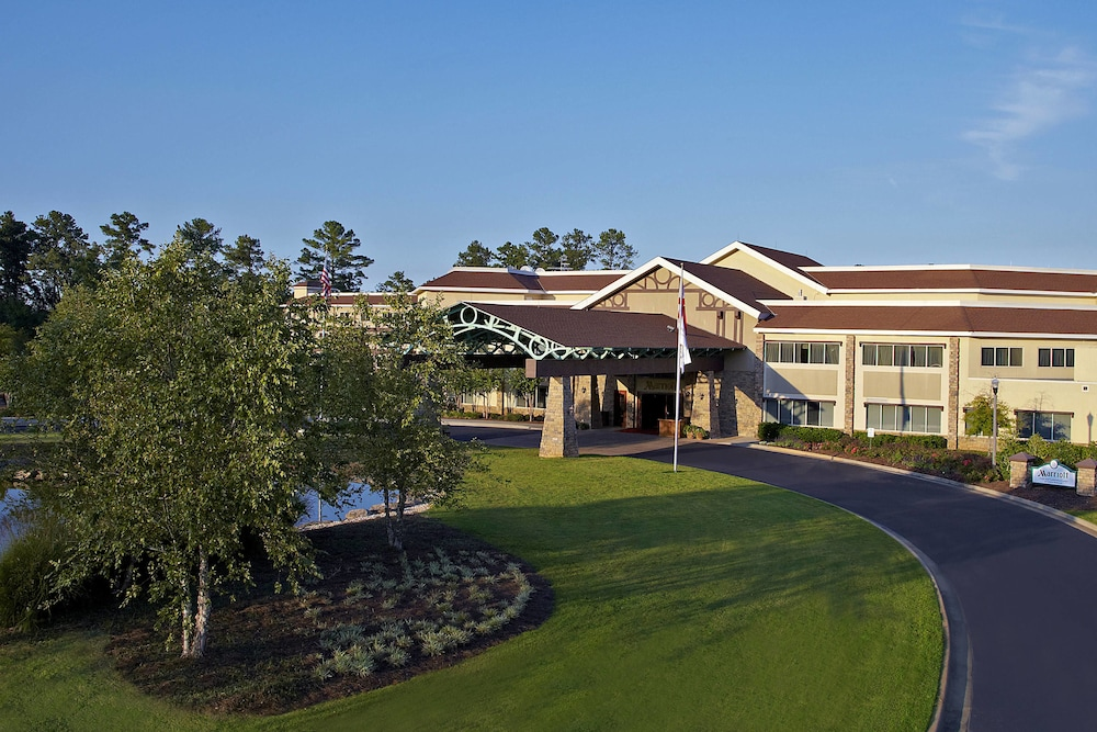Exterior, Auburn Marriott Opelika Resort & Spa at Grand National