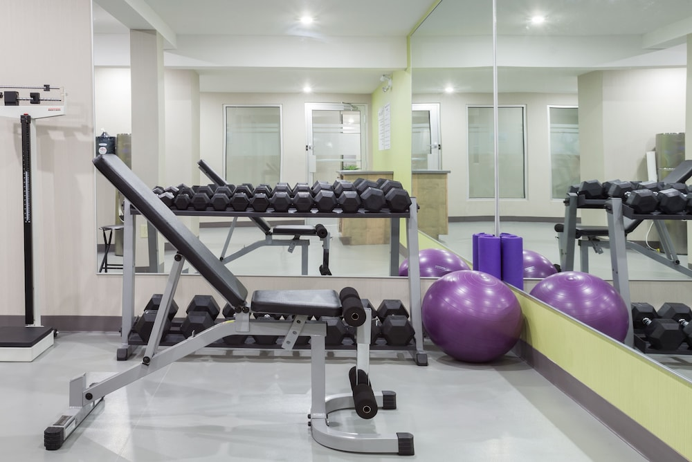Fitness Facility, Holiday Inn Express & Suites Fredericton