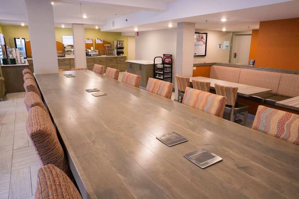 Meeting Facility, Holiday Inn Express & Suites Fredericton