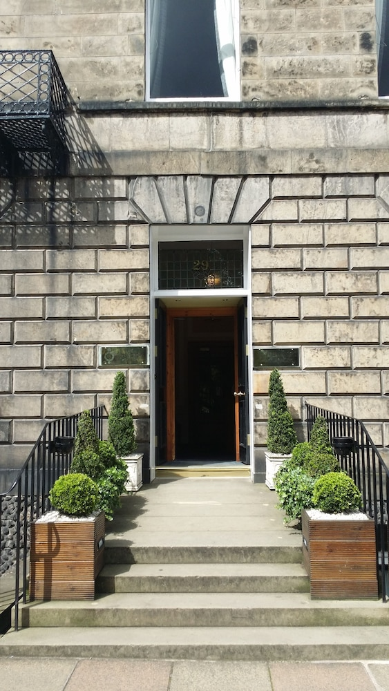 Property Entrance, The Royal Scots Club Edinburgh