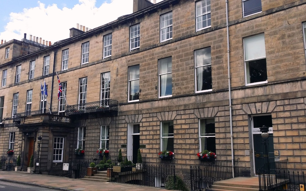 Front of Property, The Royal Scots Club Edinburgh