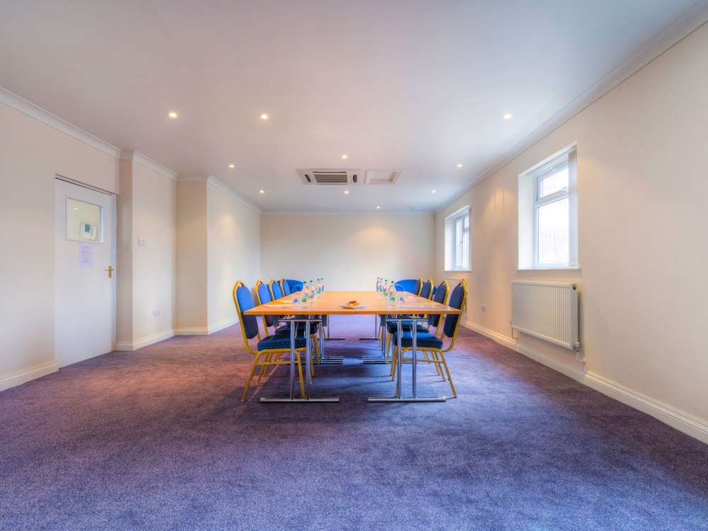 Hotels With Meeting Rooms Near Birmingham Airport