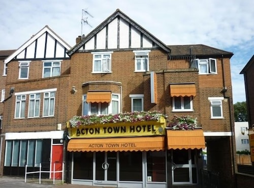 Featured Image, Acton Town Hotel