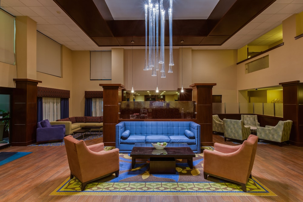 Lobby, Holiday Inn Express Hotel & Suites Tampa Northwest - Oldsmar