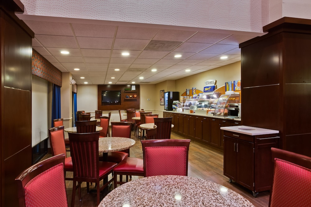 Restaurant, Holiday Inn Express Hotel & Suites Tampa Northwest - Oldsmar