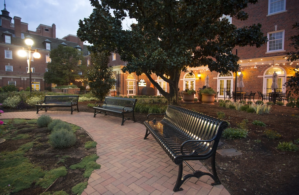 Courtyard, The Atherton Hotel At OSU