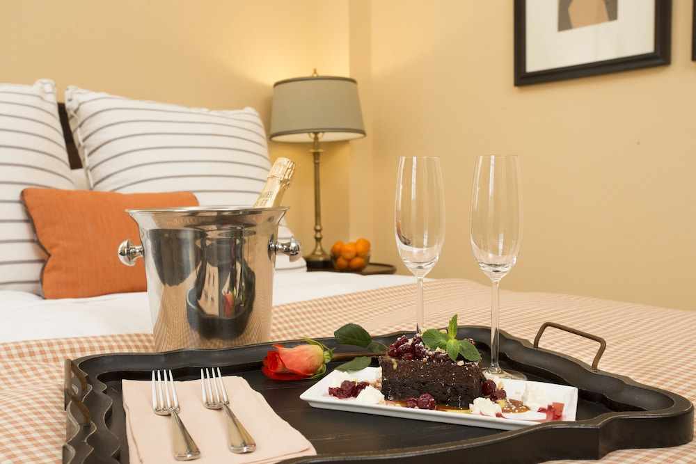 Room Service - Dining, The Atherton Hotel At OSU